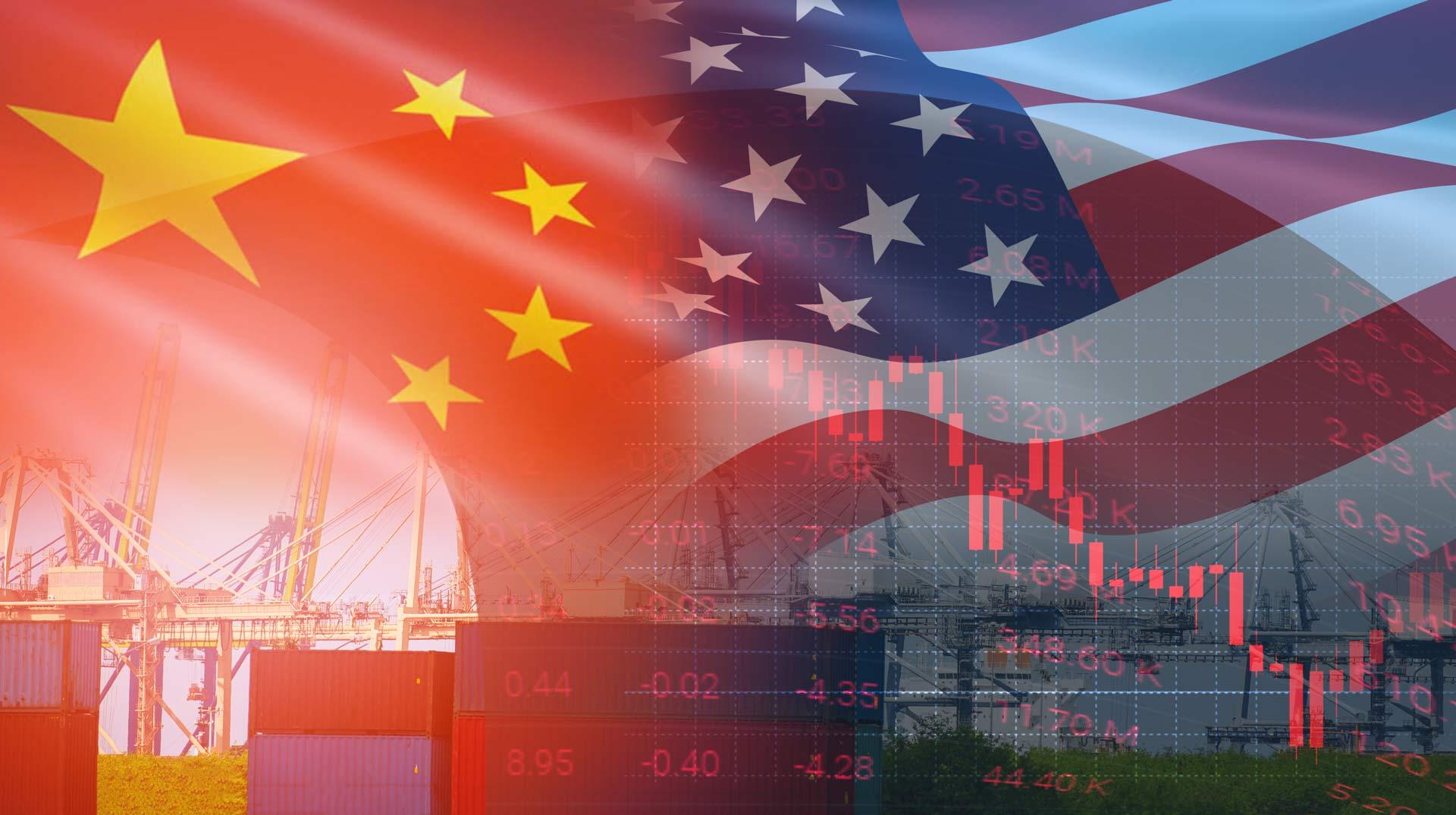 Symbolbild Logistik mit Flaggen von USA und China